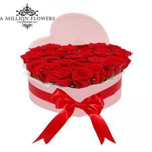 Rosas Rojas, en Caja en forma de corazón.