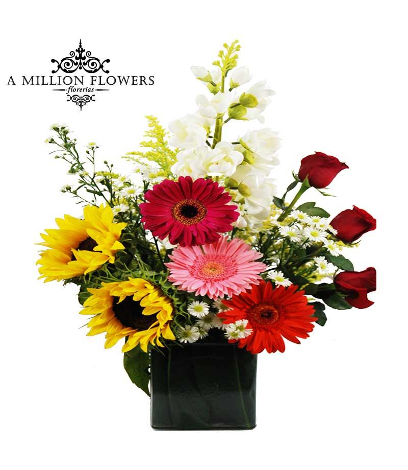 Diseño Floral De Gerberas Rosas Y Girasol