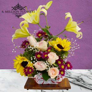 Vista frontal principal de flores del Arreglo floral Sencillez
