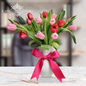 Vista frontal tulipanes del Arreglo floral vidas